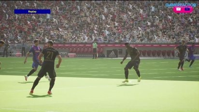 eFootball 2022 - Gameplay pertandingan - Bayern vs Barca (PS5)